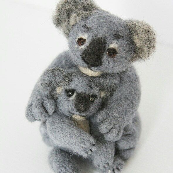 Koala family mother and kid - Valentine love gift - needle felted figurines Order on feltpetsshop.etsy.com