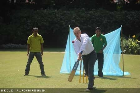 Tony Blair plays cricket for a cause in Delhi. Former UK Prime Minister Tony Blair along with cricketer Rohan Gavaskar participated in a multi-faith cricket match organised by the Tony Blair Faith Foundation to raise awareness of malaria prevention and the work it is doing in India to bring communities together against the disease.