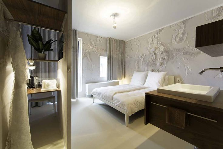 I's like to stay here! Hotel Modez - Kamer 8: Borduren door Martine van 't Hul