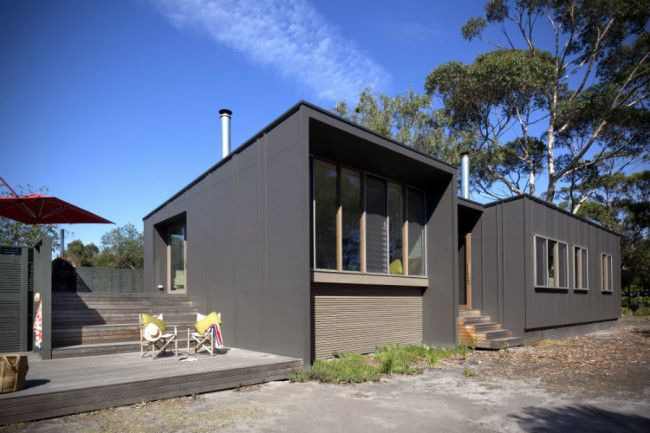 Simple & modest beach shack on the stunning Gippsland Lakes | Designhunter - architecture & design blog