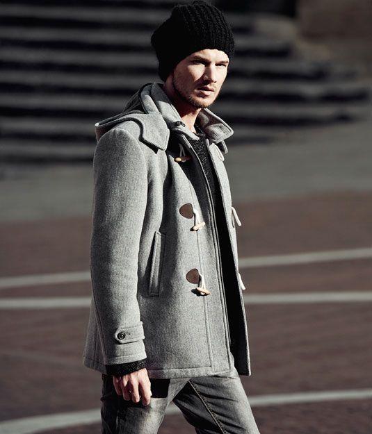"""Overcoat """"english mood"""" dallo stile informale. Montgomery corto, doppia faccia, chiusura con alamari in corda chiara. http://www.leboleuomo.it/"""