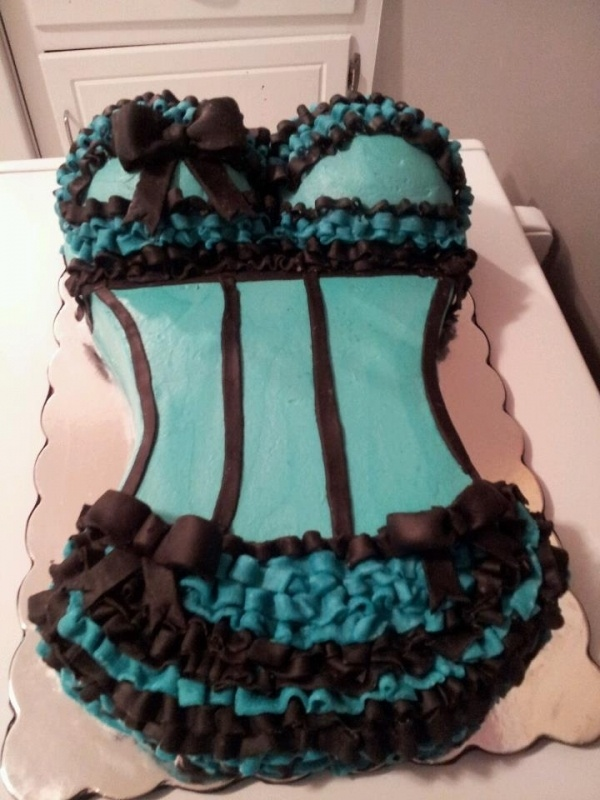 Lingerie Cake...EEEK I have this cake mold Ash!