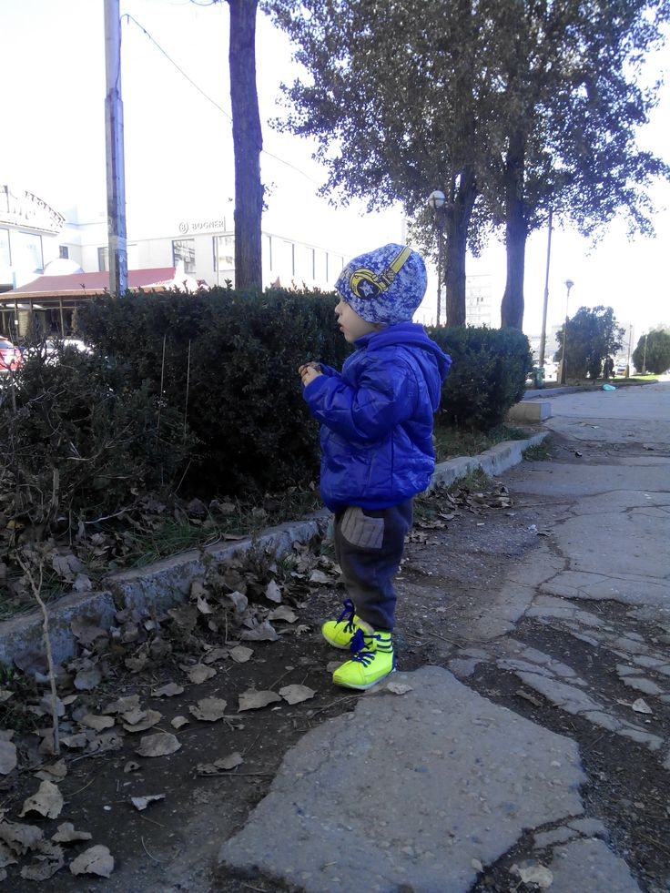 Blue coat (size 6) is good for height 95 and more. http://www.aliexpress.com/snapshot/6238330312.html