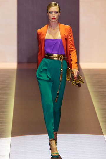 Color: the triadic color scheme is used in this outfit which consists of three color that form a triangle on the color wheel