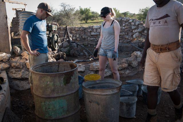 Volunteers on building week. Picture by Tiina Ramet.