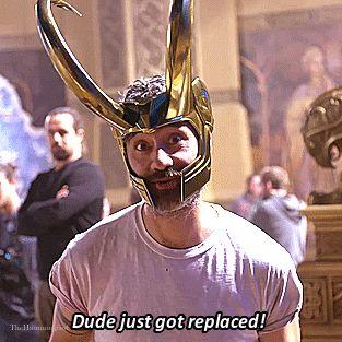 Taika Waititi on the set of Thor Ragnarok. Gif-set (by thehumming6ird.tumblr): http://maryxglz.tumblr.com/post/165838139052/thehumming6ird-taika-waititi-on-the-set-of-thor