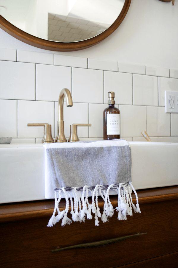 25 Best Ideas About Modern Vintage Bathroom On Pinterest Modern Vintage Homes Modern Vintage Bedrooms And Vintage Modern