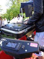 De #stint maar dan anders! Een verbouwde stint tot #mobile #Djbooth #djmeubel #djpodium #bakfiets #pioneer #Djgear #cdj2000nexus #Djm900nxs #flightcase