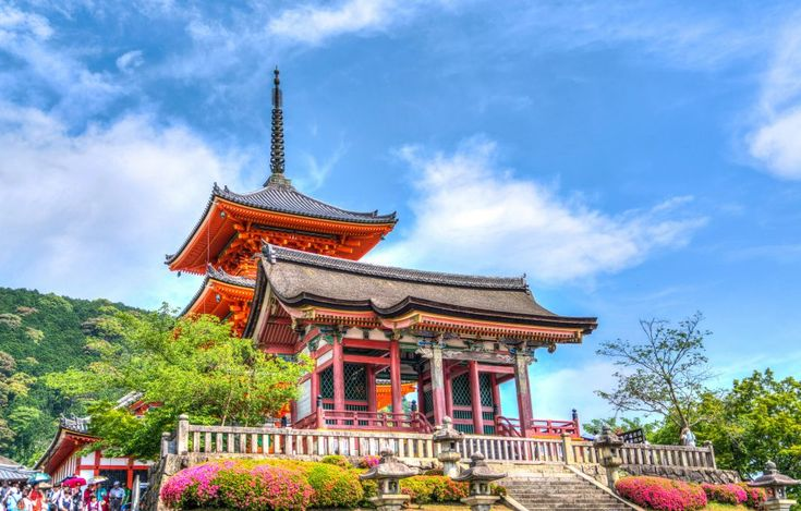 Download this free photo here www.picmelon.com #freestockphoto #freephoto #freebie /// Colorful Japanese Temple   picmelon