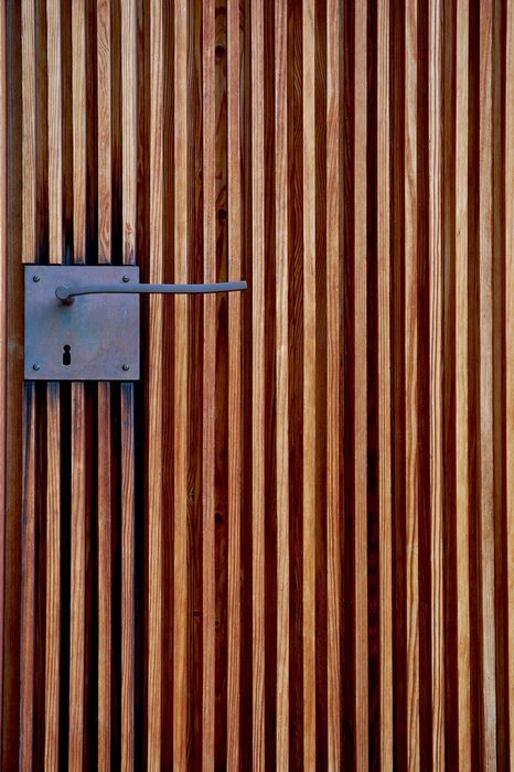 Peter Zumthor - Door handle detail at the St. Bendict Chapel, Sumvitg 1989. Via.