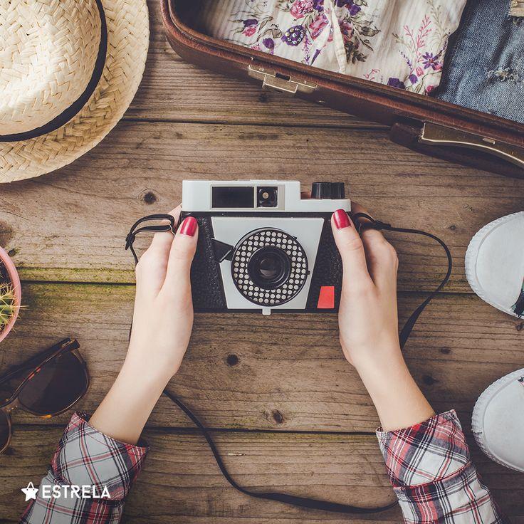 Kobieta składa się ze wspomnień - dlaczego by więc ich nie uwieczniać? / Więcej inspirujących treści na www.facebook.com/estrelapl / lifestyle, woman, inspiration, girl, summer, design, photo, camera, old fashioned, zenith, zorka, polaroid, photoshoot, hipster, vacations, instagram