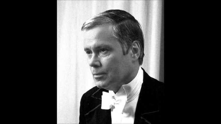 """Dietrich Fischer-Dieskau """"Gute Nacht"""" Schubert  https://www.youtube.com/watch?v=In28RoApw_o"""