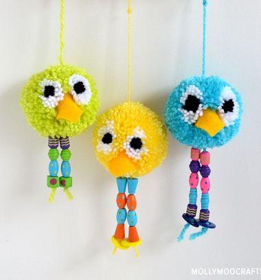 Pompom bird keychain or fun spring decor from yarn // Pompon madaras kulcstartók vagy tavaszi díszek gyöngy lábbal // Mindy - craft tutorial collection