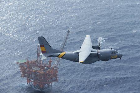 Volando con los 'ángeles' del Mediterráneo: Una noche de misión con el Grappa | Fly News