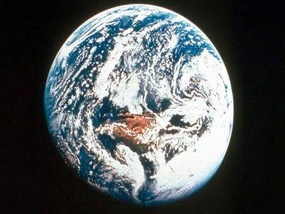 ήτοι μέν πρώτιστα Χάος γένετ': Περί ανθρώπων