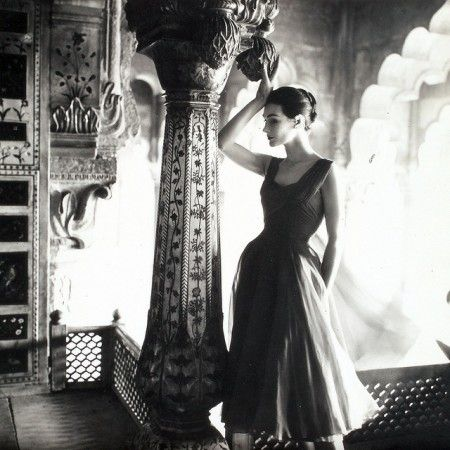 1950s model Anne Gunning photographed by Norman Parkinson for Vogue UK