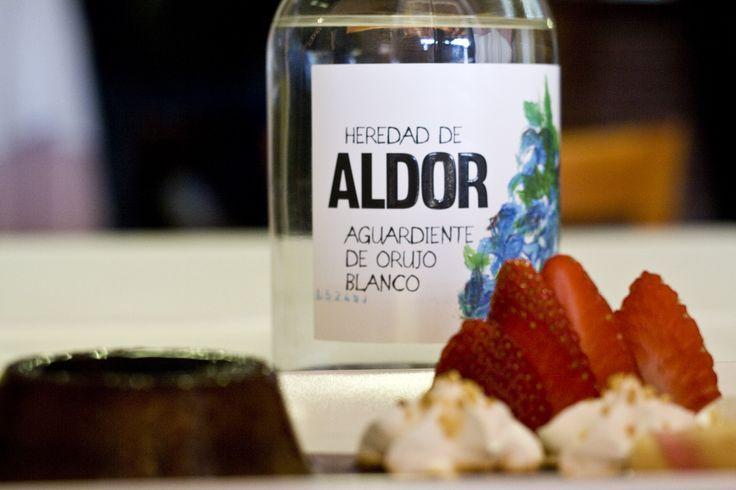 Acompaña tus postres con Aldor el Aguardiente de Orujo Blanco de Grupo Matarromera. www.restauranteespadana.es
