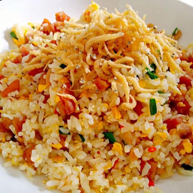レシピとお料理がひらめくSnapDish - 24件のもぐもぐ - Luncheon meat  Silver Fish  Salted Fish  Spring Onion by lynnlicious