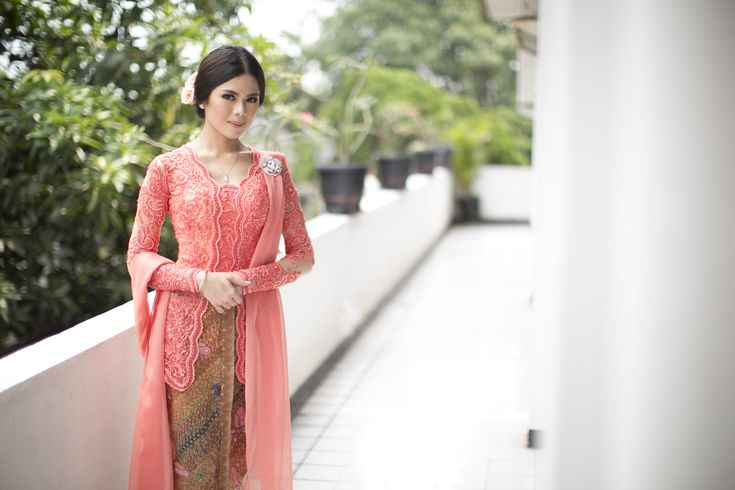 classic kebaya for Intimate Martumpol Ceremony of Gaby and David - the engagement at the bride dept