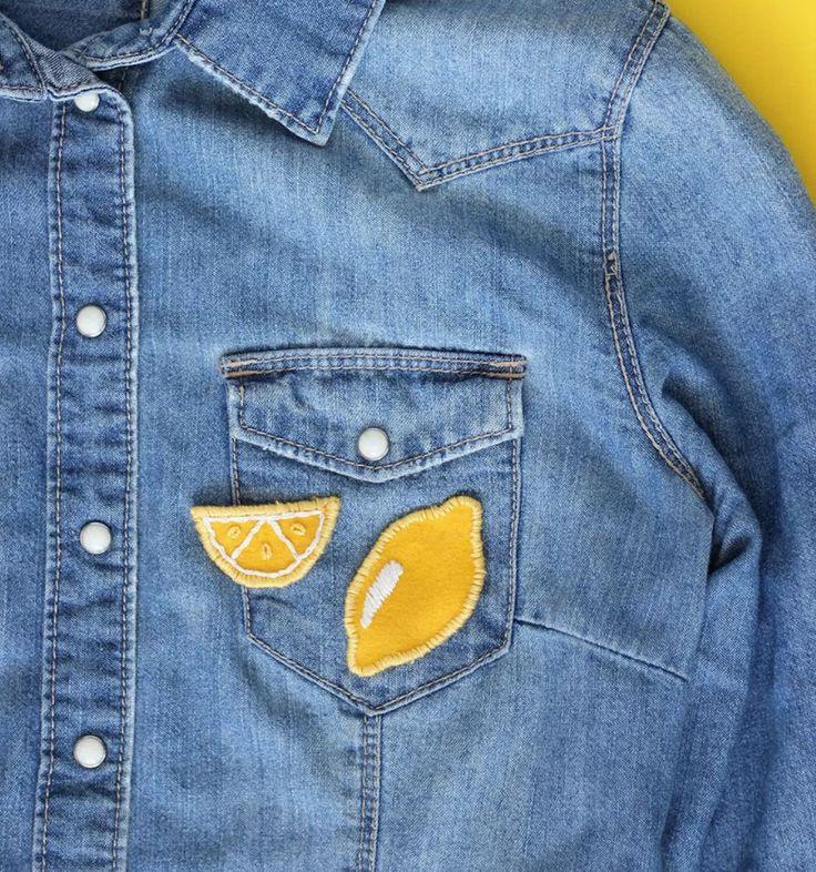 Gör egna tygmärken Hur söta och somriga är inte dessa små tygmärken som föreställer citroner? Tycker du om att brodera och sy så är detta verkligen något för dig. Det enda som krävs för detta pyssel är filttyg, gult och vitt broderigarn samt en nål. Är du riktigt haj på att brodera så kan du …