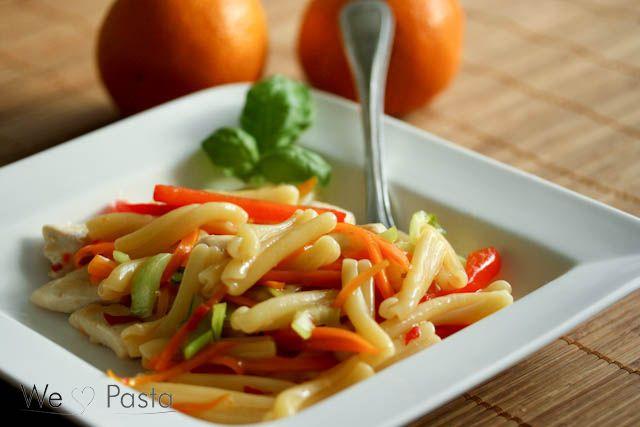 Pasta Tacchino Piccante mit Orangen-Chili-Sauce und Gemüse (pasta with orange sweet chili sauce and vegetables)