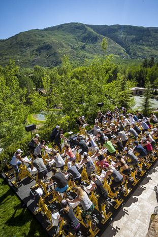 American Express Platinum House x Stephanie Izard: SoulCycle led an al fresco cycling classes on both Friday and Saturday mornings, with rides offering breathtaking mountain views.