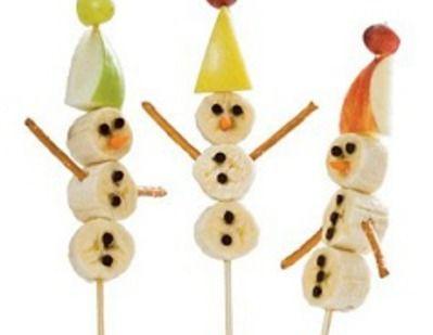 Snowman Fruit Kabobs! With apple, grapes, raisins and bananas