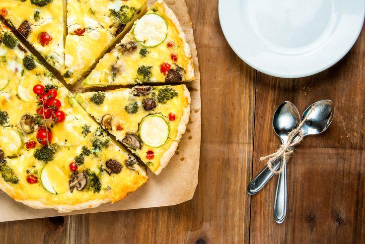 Veja como fazer quiche de legumes sem glúten, uma receita rica em fibras, vitaminas e minerais. Uma ótima opção para incluir os legumes no seu cardápio.
