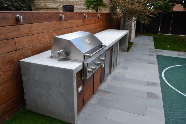 Barbecue fixe fonctionnel et esthétique dans le jardin