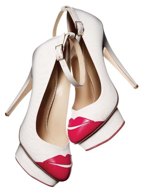 Zapatos de novia con plataforma en color blanco - Foto Yasu + Junko, Brides