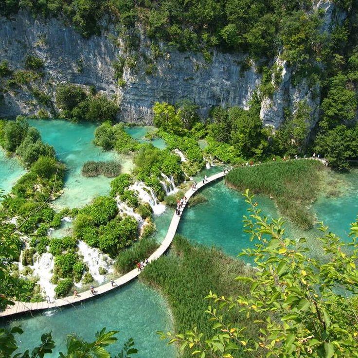 Parc de Plitvice - Croatie Marchez le long des 16 lacs qu'englobent un des plus beaux parcs nationaux de Croatie
