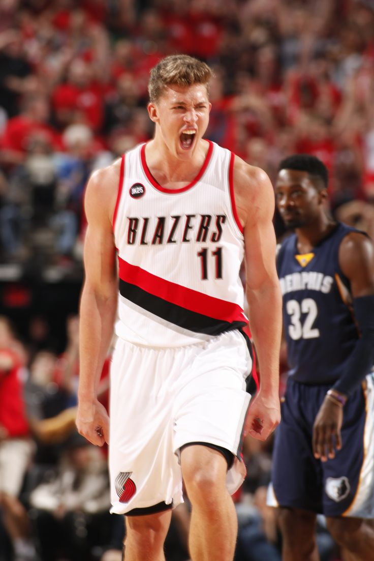Meyers Leonard JACKED UP as he and the Portland Trail Blazers capture Game 4 of #BLAZERSvGRIZZLIES in Portland