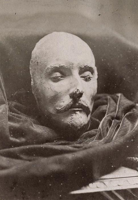 William Shakespeare death mask. Image circa 1880. [485x700] - Imgur