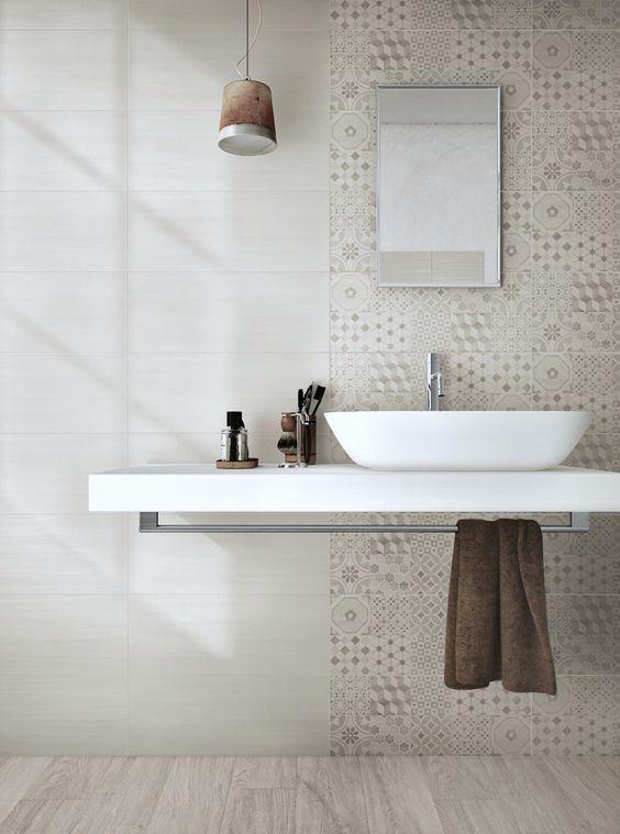 Transition between tiles