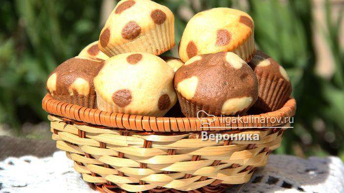 Кексики в горошек  http://ligakulinarov.ru/recepty/keksy-maffiny/krupy-muka/keksiki-v-goroshek-104188
