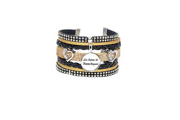 Bracelet Manchette personnalisable noir et doré en cuir, suédine et simili cuir avec cabochon en verre : Bracelet par les-bijoux-de-petiteauguai