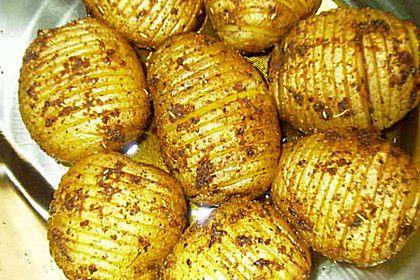 Catharinas Ofenkartoffeln nach Fiefhusener Art mit Kräuterquark, ein raffiniertes Rezept aus der Kategorie Kartoffeln. Bewertungen: 48. Durchschnitt: Ø 4,6.
