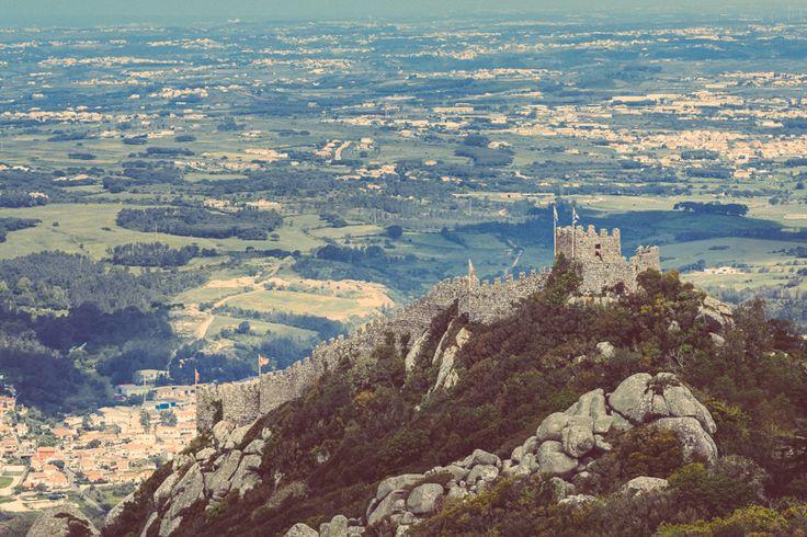 Moorish Castle | Parques de Sintra - Monte da Lua http://www.teoinpixeland.ro/travel/lisbon-places-that-stole-my-heart
