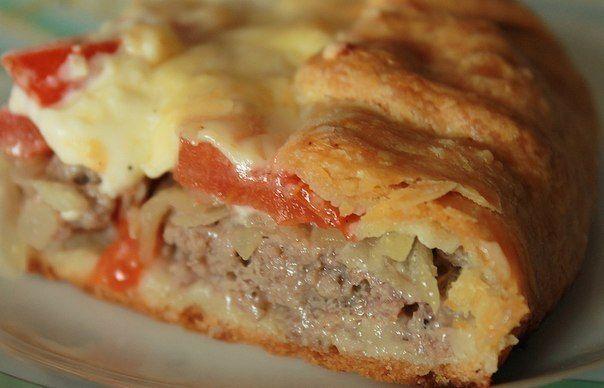 Картофельный пирог с мясом, овощами и сыром