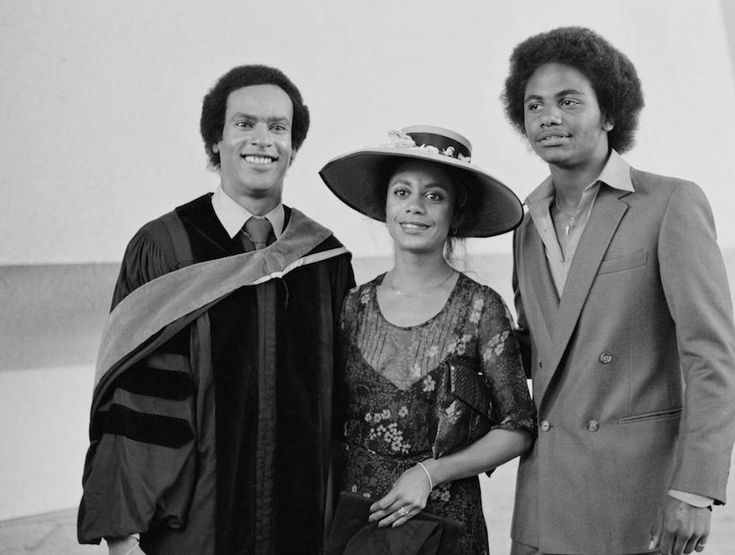 Bobby Seale And Huey Newton 35 best images about H...