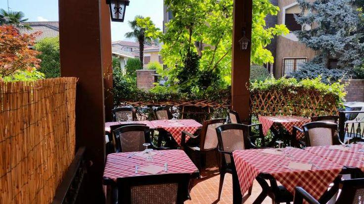 Bar ristorante pizzeria in centro