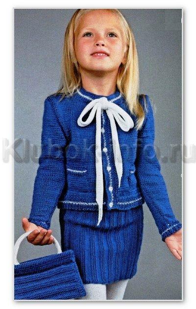 Вязание спицами для детей. Классический жакет с бантом, юбка и сумочка, для девочки