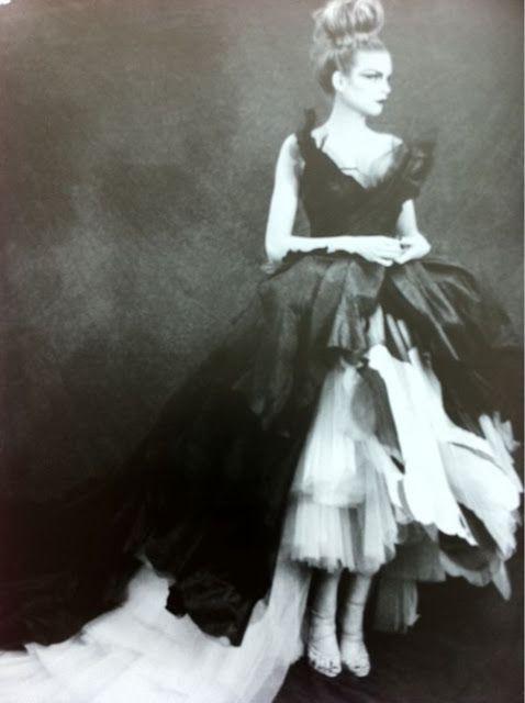walkingthruafog:  Dior couture