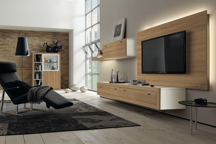 Hülsta herintroduceert de meubelcollectie Xelo, met als rode draad de brede omlijstingen van de meubels. Nieuw zijn o.a. de hang-lowboards, die ondanks hun robuustheid toch licht ogen.  Meer info: www.huelsta.be