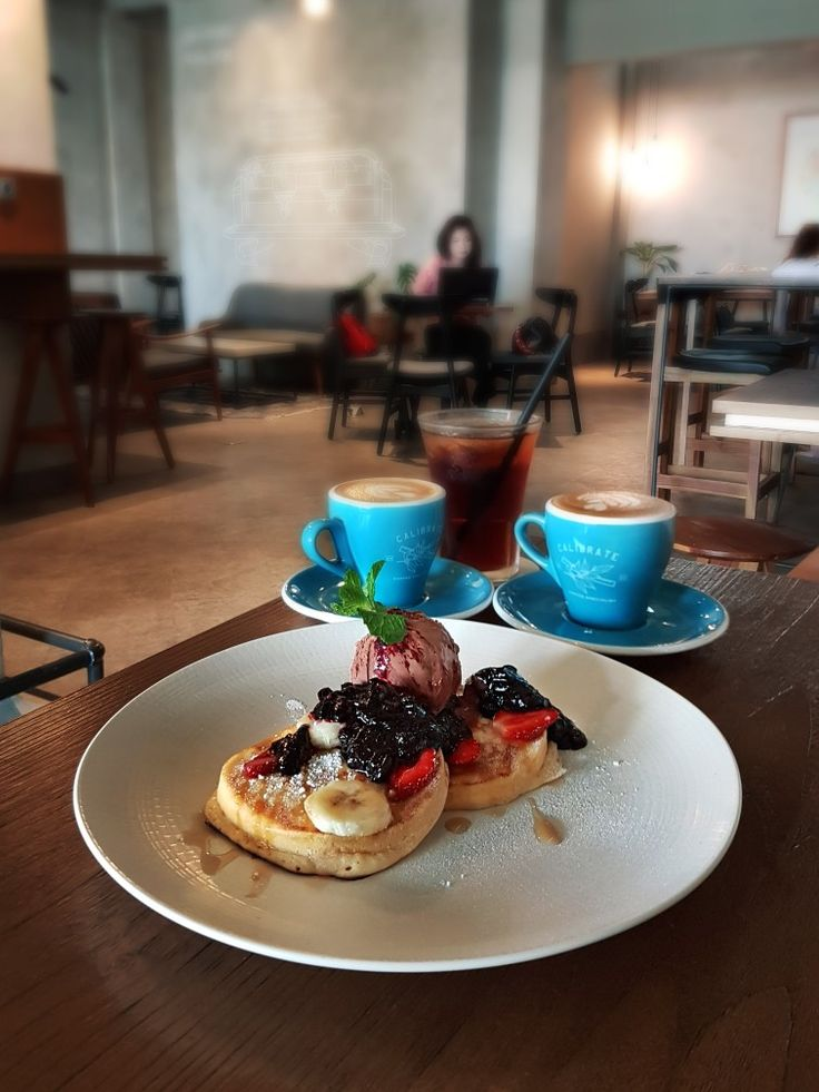 """Double-Decker Pancakes"", Calibrate, Jakarta"