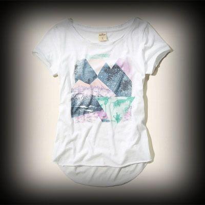 ホリスター レディース Tシャツ  Hollister Dixon Lake T-Shirt Tシャツ★アーティスト・セレブも愛用の人気ブランドHollister今季新作アイテム。アメリカ西海岸のサーフスタイルをベースにしたカジュアルなアイテムが豊富。 ★ヴィンテージウォッシュがコーディネイトしやすくてお洒落。