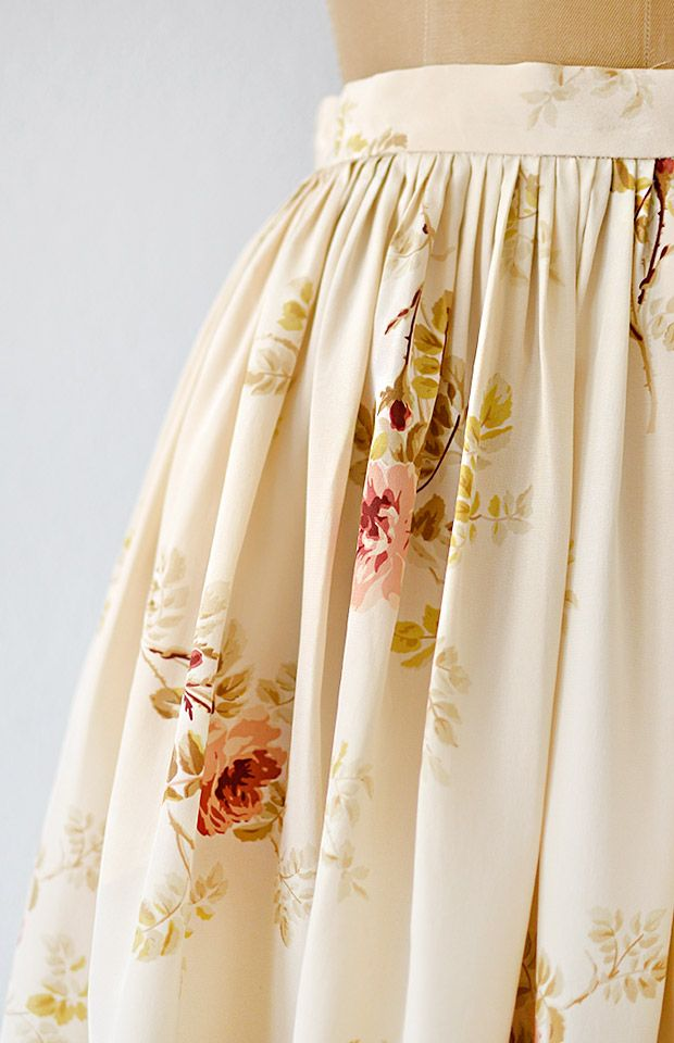 vintage 1990s cream silk rose print skirt #roseprint