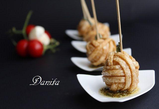 Le leccornie di Danita: Gomitolo di bavette con sorpresa su pesto di origano