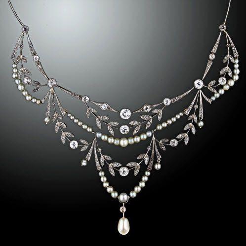 Beautiful Lang Antiques Edwardian vintage bridal necklace