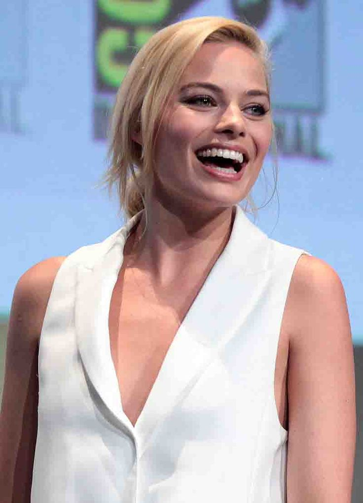 Margot Robbie Age, Height, Weight, Measurements